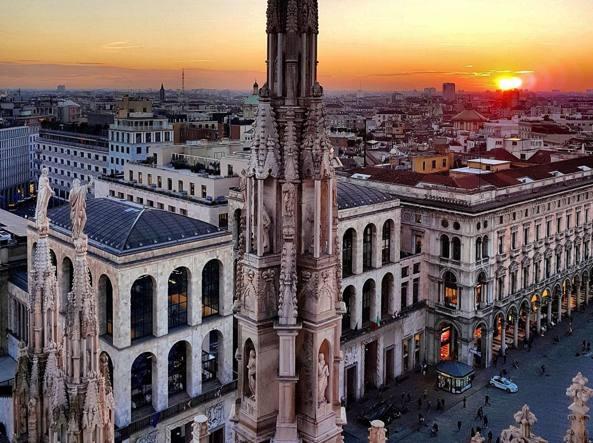 AUTUMN IN MILAN